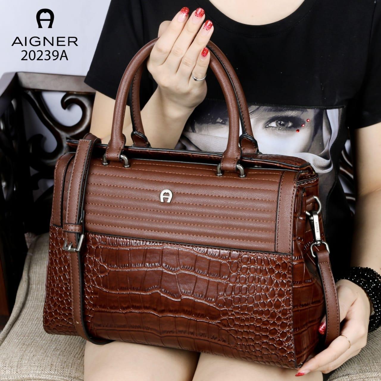 Tas wanita Aigner slingbag mewah branded import new arrival batam murah  selempang cewek fashion elegan pesta bdc88083bb