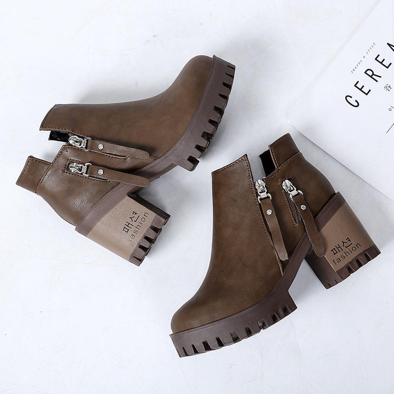 Chic Boots Martin wanita ala Inggris Sepatu bot sub wanita Hak Tebal sepatu  bot pendek Gaya 6cbeddb1ad