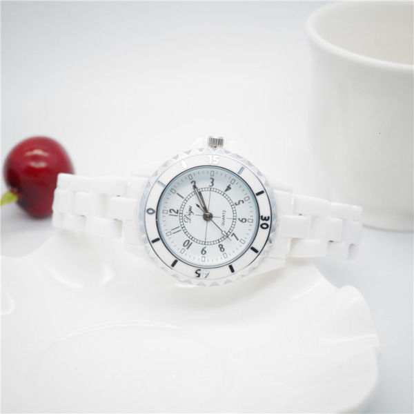 Simple fashion classic Korean womens Quartz white ceramic student waterproof watch classic style I8J7 Malaysia