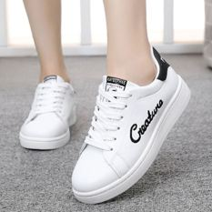 Kets Putih Musim Semi Olahraga Sepatu Remaja Bernapas Tahan Udara