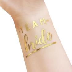 Bride & Groom Temporary Tattoo Metallic GOLD Huruf Transfer Tato untuk Dekorasi Pesta Pernikahan Tergantung dengan Tempat dan Masing-masing Toko Yang Menjualnya. Semoga Bermanfaat dan Terima Kasih Kategori Props Ukuran: T28-Intl