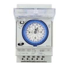 IP 20 50 ~ 60Hz Hemat Energi Timer Switch 250VAC 16A Tahan Api Shell-Intl