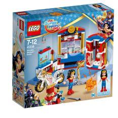 LEGO® DC Super Hero Girls™ Wonder Woman™ Dorm 41235
