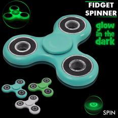 Lucky GLOW IN THE DARK Fidget Spinner Hand Spinner Hand Toys Focus Games / Mainan Spinner Tangan Penghilang Kebiasan Buruk - Random Colour - 1 Pcs