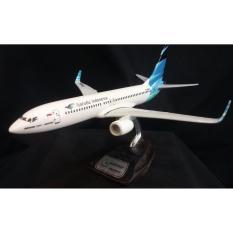 Miniatur Pesawat B737-800NG GARUDA