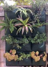 Wall Planter / Vertikal Garden / Kantong Pot 12 Bag  Hijau