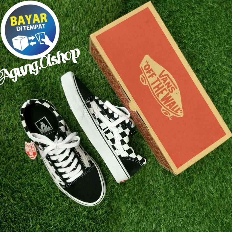 Sepatu vans catur sepatu vans kotak Free Box Sneakers Pria Wanita 673747be0e