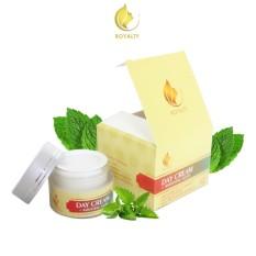 Toko Best Seller Royalty Day Cream Pemutih Wajah Alami Pemutih Wajah Terbaik Label Bpom Original 100 15 Gr Royalty Cosmetic Jawa Timur