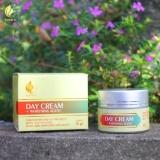 Promo Day Cream Pemutih Wajah Aman Dan Cepat Pemutih Wajah Alami Cepat Dan Permanen Isi 2 Pcs Royalty Cosmetic