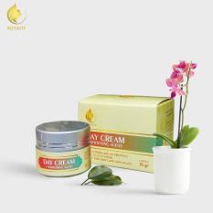 Day cream Royalty mengatasi kulit kusam,berjerawat,berminyak yang sangat ampuh tanpa bahan merkuri ,aman,ORIGINAL,BPOM