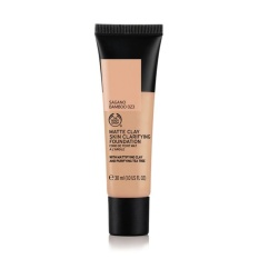 Beli The Body Shop Matte Clay Foundation Sagano Bamboo 023 Cicilan