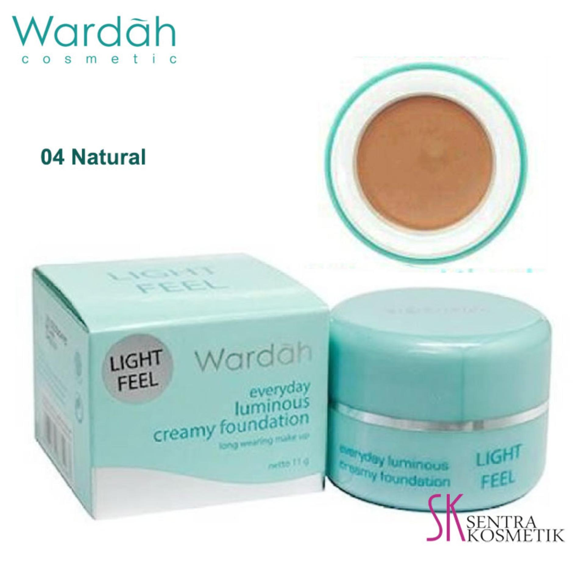 Tersedia dalah 4 pilihan warna Wardah Everyday Luminous Creamy Foundation 04 Natural