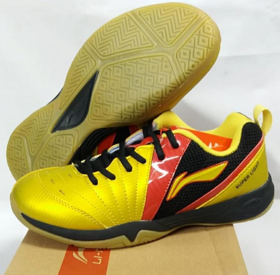 Sepatu Lining Raid III Aytm097 Badminton Bulutangkis Shoes Murah Diskon  Adha Sport ba90ce7e15