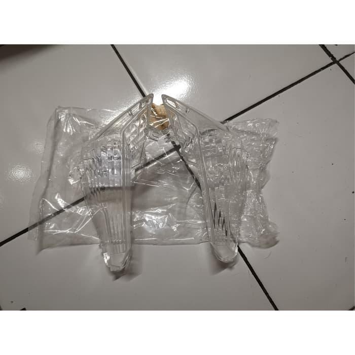 Mika Kaca Lampu Sen Soul Gt 125 LED Original Stanley