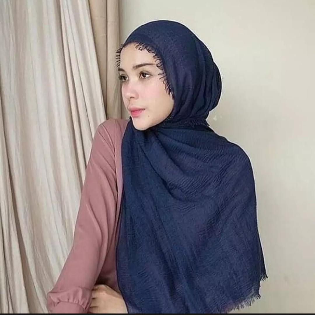 badgeHijab Pasmina Crinkle warna terlengkap / jilbab Pashmina Crinkle warna terlengkap-LELA JAYA