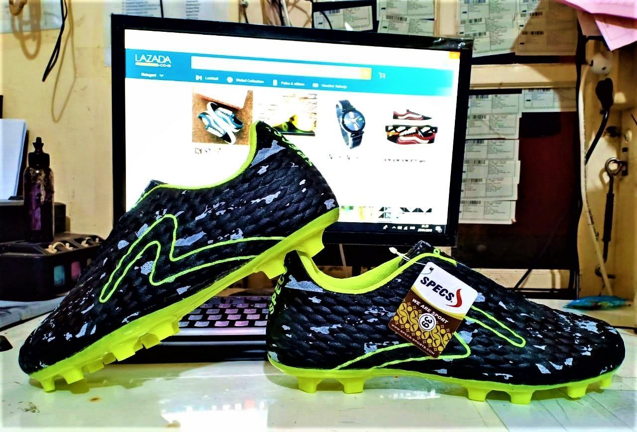 ( BISA BAYAR DITEMPAT ) Sepatu Bola Pria Dewasa/ Sepatu OlahRaga/ Sepatu Sepak Bola/ HARGA PROMO DAN TERJANGKAU