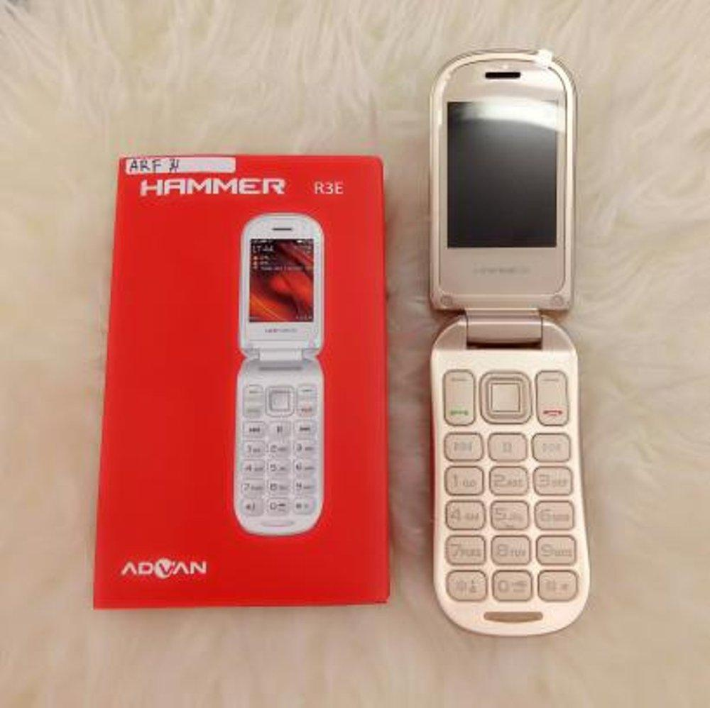 ADVAN HAMMER R3F DUAL SIM CARD HP CAMERA FLASH BLUETOOTH MP3 RADIO FM HANDPHONE MODEL FLIP HANDPHONE CANDYBAR GARANSI RESMI