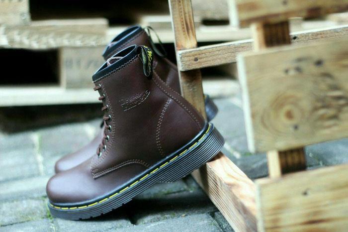 Sepatu boot Dr. Martens Docmart boots murah coklat casual pria wanita