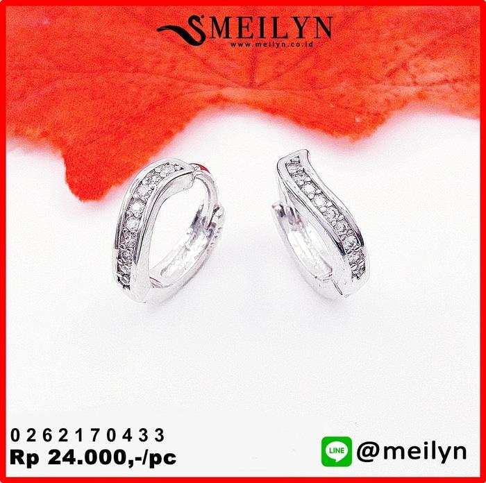 Anting Clip Baris Silver Zircon 0262170433 (Toko Produk Bangsa)