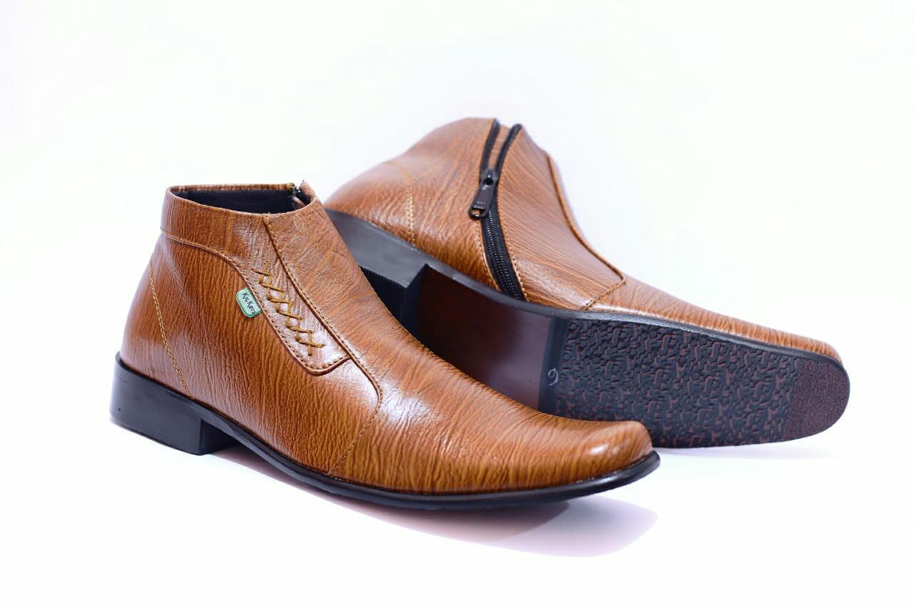 Sepatu Pantofel Pria Kulit Asli Kickers High Rajut Formal Kerja Kantoran  Slop Casual - Free Kaos 8463b7d66f