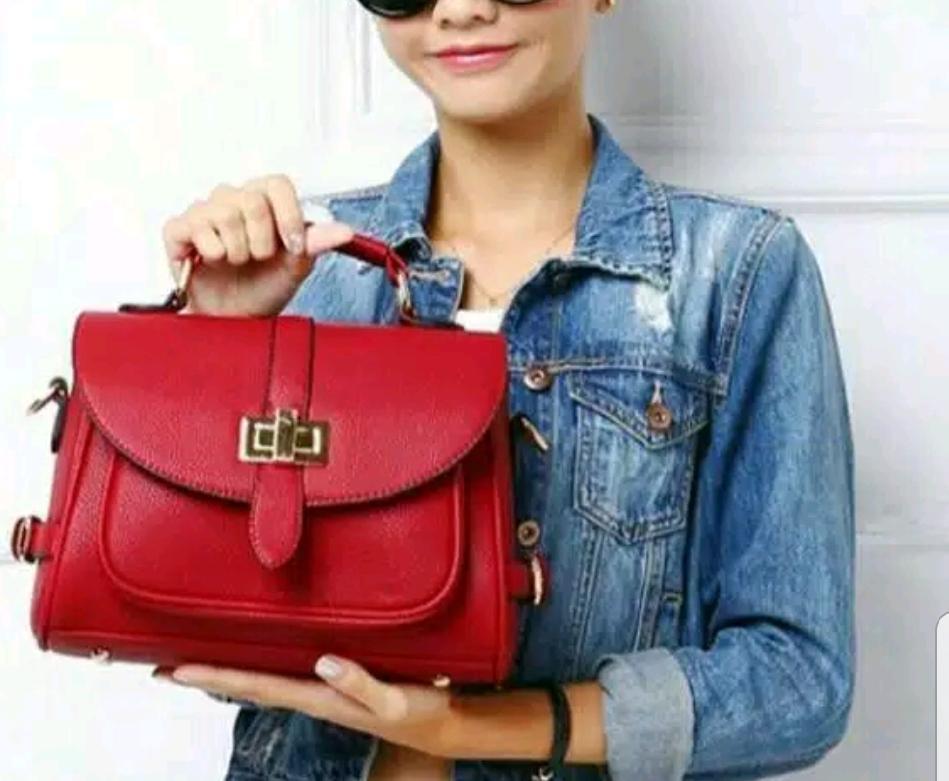 Rp47.000Tas selempang dan bahu wanita/tas slingbag cewek/tas wanita terbaru
