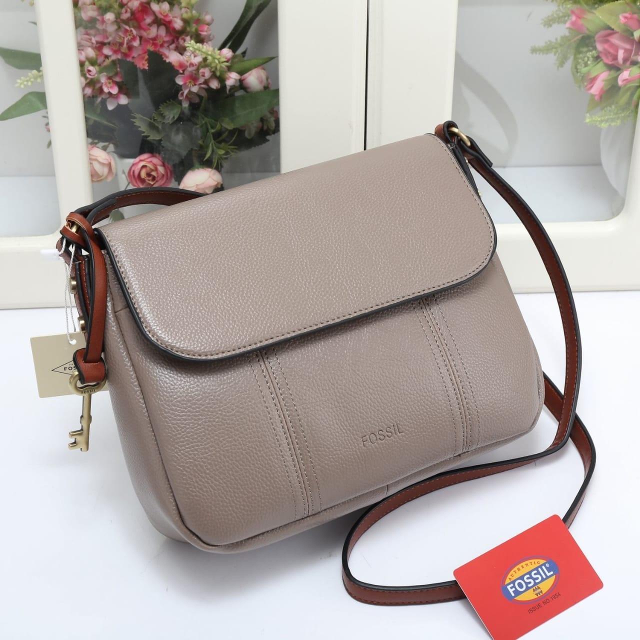 Tas wanita Fossil branded   cewek kerja terbaru   fashion import batam  diskon hot item selempang 998585a678