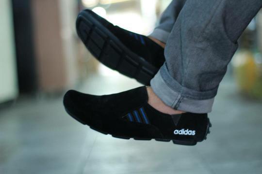 Sepatu Casual Pria Slip On Loafers Terlaris dan Termurah (Sepatu Santai c962b42c70
