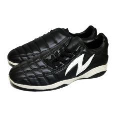 Amazaki Gigas Black White - Sepatu Futsal Bahan Kulit