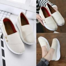 azkashoes Sepatu Sneaker Wanita Slip On TM Krem