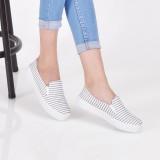 Beli Bebbishoes Strips Slip On White Dengan Kartu Kredit
