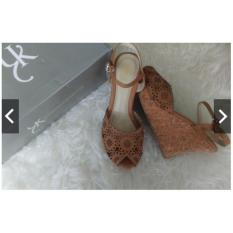 BEST SELLER!!! Sandal Wedges Yongki Komaladi Size 37,39