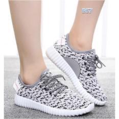 Review Pada Bs Sepatu Kets Xyz Putih