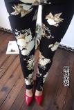 Bunga Tambah Beludru Berwarna Warni Perempuan Terlihat Langsing Celana Pensil Legging Dasar Hitam Corak Bunga Tiongkok Diskon