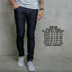 celana jeans pria skinny / jeans pensil biru tuaIDR140000. Rp 140.000 .