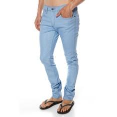 Celana Jeans Pria Wrangler Skinny/Pensil Bioblitz Biru Muda Slim Fit