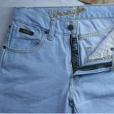 Spesifikasi Celana Jeans Wrangler Fit Reguler Standar Biru Muda Yang Bagus Dan Murah
