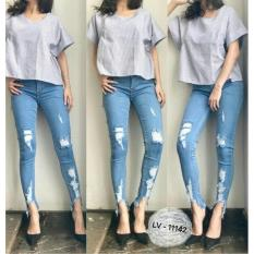Harga Celana Jeans Wwnita Ripped Punny Jeans 11142 Online Indonesia