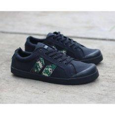 Collection Sepatu Sneaker Eliot Pria - Hitam