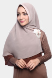 Review Kerudung Hijab Jilbab Khimar Hanna Two Tone Dua Layer Mocha Latte Cotton Bee Di Jawa Barat