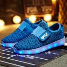 Eachgo dan Wanita dengan Lampu LED Charger USB Hardly Breathe Sneakers Rajutan Sepatu Anak-Anak (Biru)-Intl