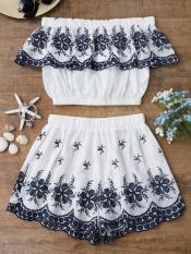 Baju Cropped Bersulam dengan Celana Pendek-Intl