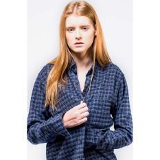 Ulasan Lengkap Erigo Flannel Casemiro Unisex White Blue