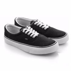 Harga Everflow Sepatu Sneaker Casual Canvas Trendi Pria Black Murah