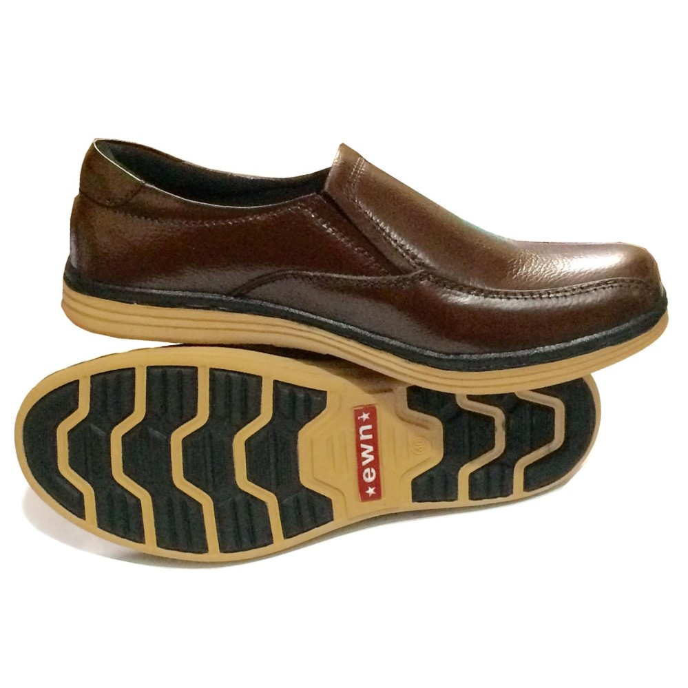 Awet dan tahan lama EWN Sepatu Slip On Casual Pria   Sepatu Kulit Asli   Sepatu  Formal 747c7f9e1f