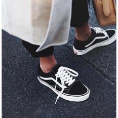 Faizah Olshop Sneaker Keren Trend Black-White