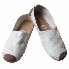 Flat Shoes Wakai Motif Bunga Kecil Size 37-40