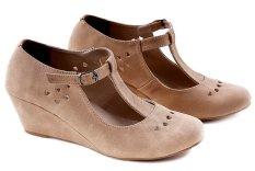 Spesifikasi Garucci Gpm 5095 Sepatu Fashion Wedges Wanita Synthetic Keren Krem Terbaru