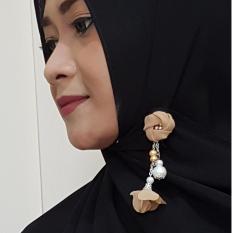 Gita Sukma Brooch Bros Juntai Dagu Hijab - Desain D