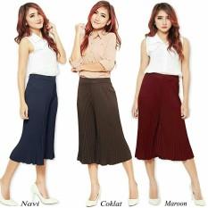Glow Fashion Celana kulot plisket pendek wanita jumbo short pant Afifah – maroon