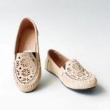 Gratica Sepatu Flat Shoes Laser Ud23 Cream Terbaru